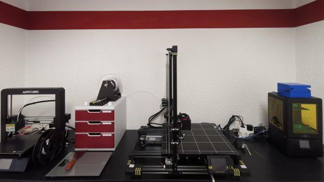 3D-Druck-Werkstatt der InfinityLoop mit Anycubic-Druckern.